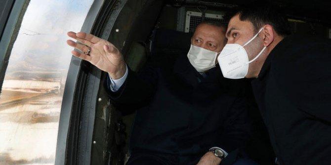 Cumhurbaşkanı Erdoğan Elazığ'da. Helikopterden deprem konutlarını inceledi