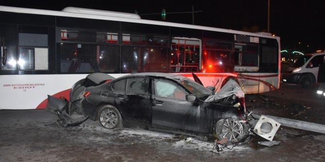 Önce direğe sonra otobüse çarpıp durabildi