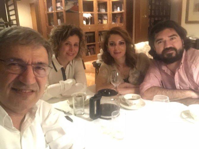 Rasim Ozan Kütahyalı ile Orhan Pamuk'un fotoğrafı ortaya çıktı. Sosyal medyada kıyamet koptu