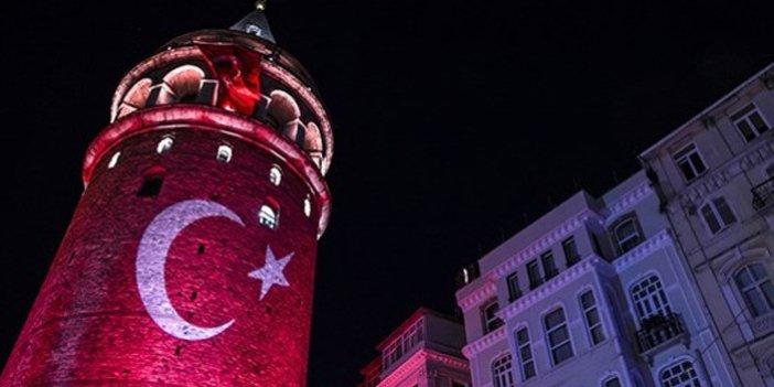 Galata Kulesi ay yıldıza büründü
