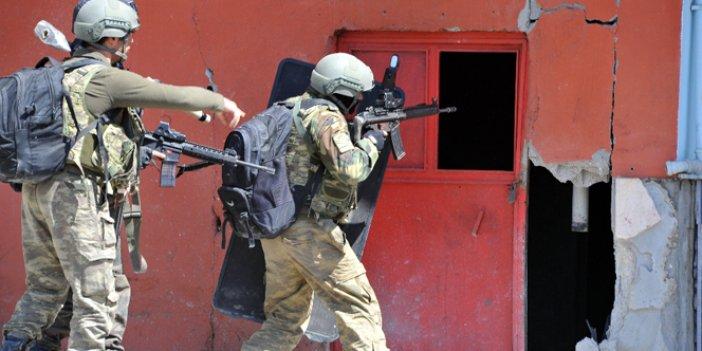 Şemdinli'de 10 PKK'lı öldürüldü