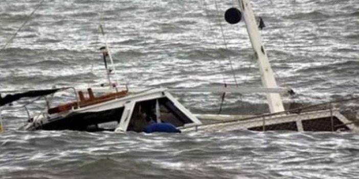 Beylikdüzü'nde tekne alabora oldu