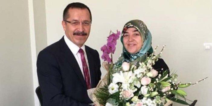 Pamukkale Üniversitesi rektörü, eşini Enstitü Sekreteri olarak atadı