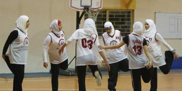 Suudi Arabistan'da kadın basketbol turnuvası yapıldı