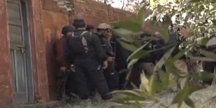 Taliban, Pakistan'da üniversite yurduna saldırdı