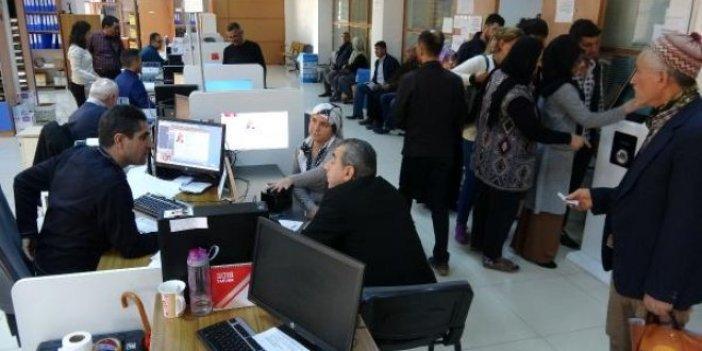 Nüfus müdürlüklerinde ehliyet-pasaport yoğunluğu