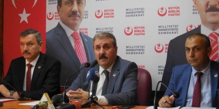 """Mustafa Destici: """"Filler tepişirken, çimenler ezilir"""""""