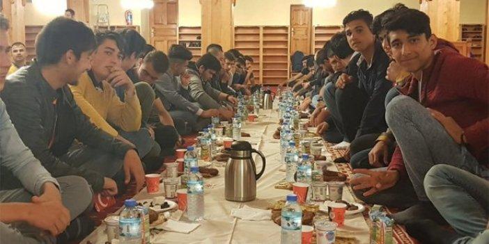 AKP'den camide iftar programı