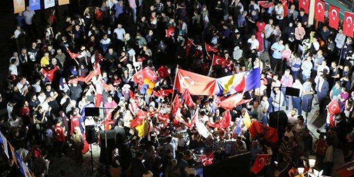 Rotterdam'da Türkler artık oy kullanamayacak