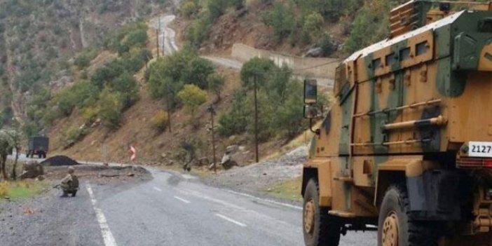 Hakkari'de askeri araç devrildi: 2 asker şehit