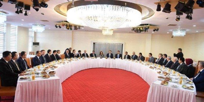Milli Eğitim Bakanı Ziya Selçuk'tan veda yemeği