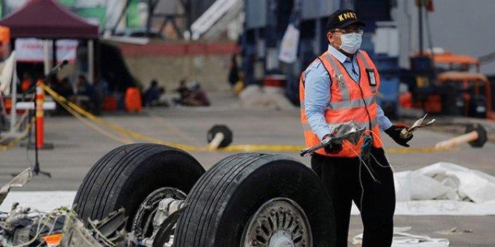 Endonezya uçağında arıza tespit edildi
