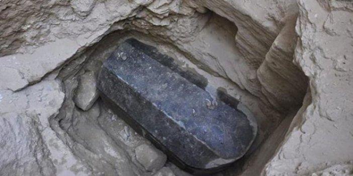 Mısır'da 4 bin yıllık firavun mezarı bulundu