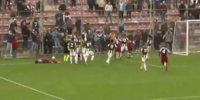 Trabzonspor-Fenerbahçe maçında 5 kırmızı kart