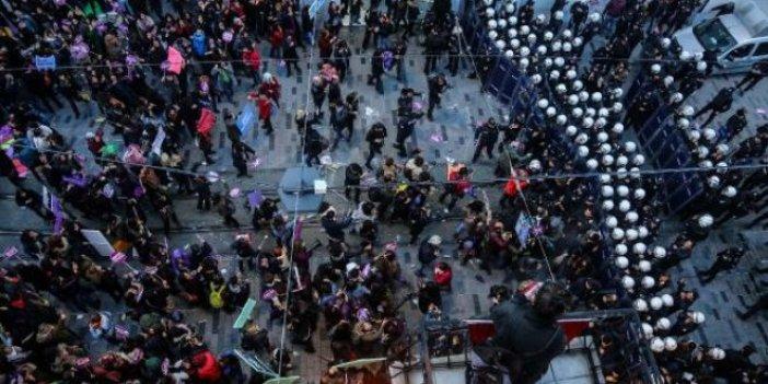 Kadına şiddet eylemine polis müdahalesi