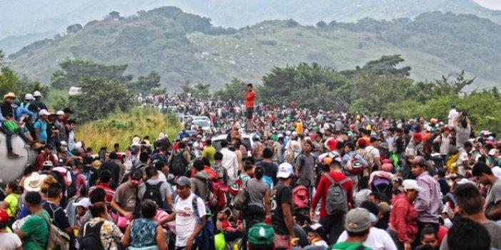 Yüzlerce göçmen Meksika sınırından geri döndü