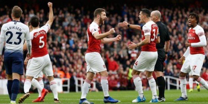 Arsenal: 4 - Tottenham: 2