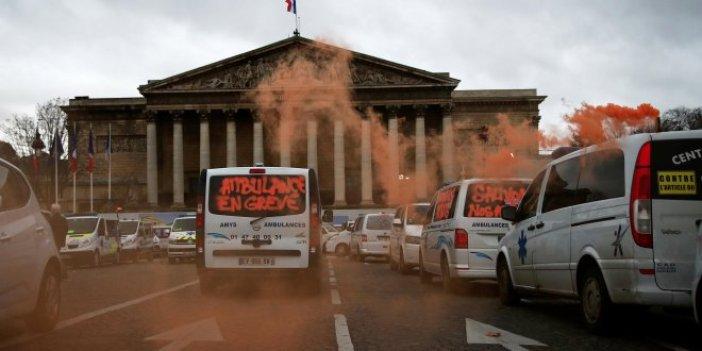 Fransa'daki olaylara ambulans şoförleri de karıştı