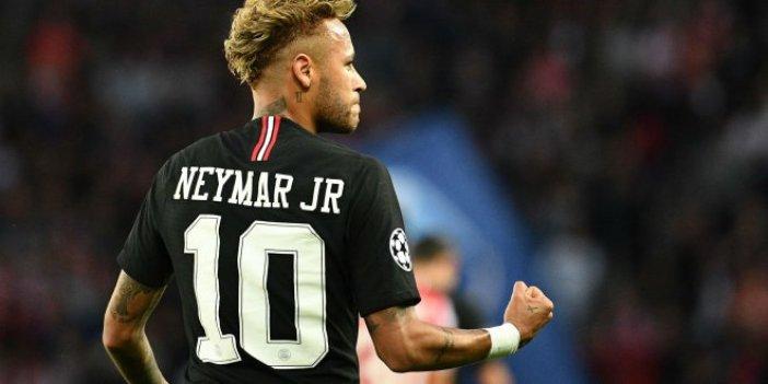 Neymar, Premier Lig'e göz kırptı