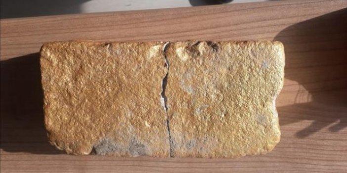 Parke taşını külçe altın diye sattılar