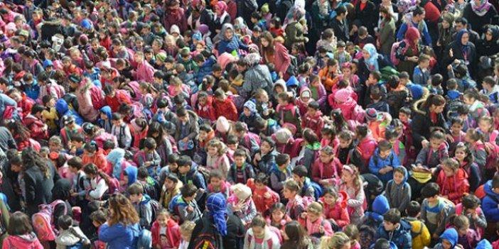 Bu okuldaki öğrenci sayısı 66 ilçeyi geçti!