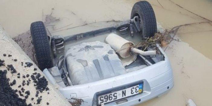 Kayıp iki kişinin cesedi kanala düşmüş araçta bulundu