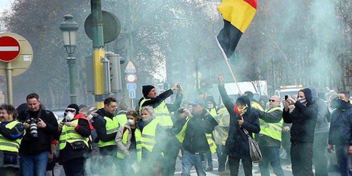 Belçika'da sarı yelekliler yol kapattı