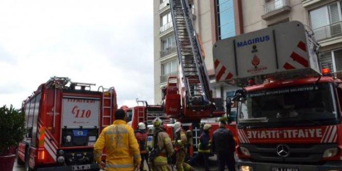 Zeytinburnu'nda rezidansta yangın paniği!