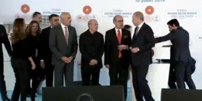 Erdoğan'ın katıldığı temel atma töreninde mikrofon açık unutulunca...
