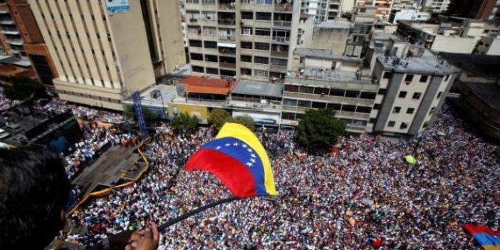 'Maduro istifa' diyerek sokaklara döküldü