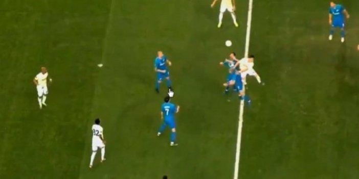 Zenit - Fenerbahçe maçında tartışmalı penaltı pozisyonu