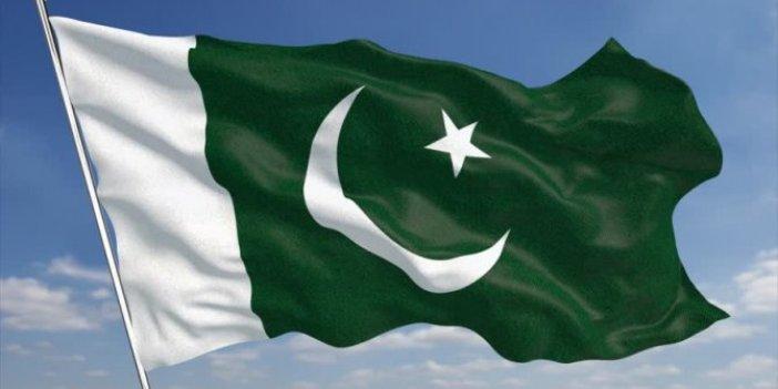 Pakistanlı mahkumu taşlayarak öldürdüler