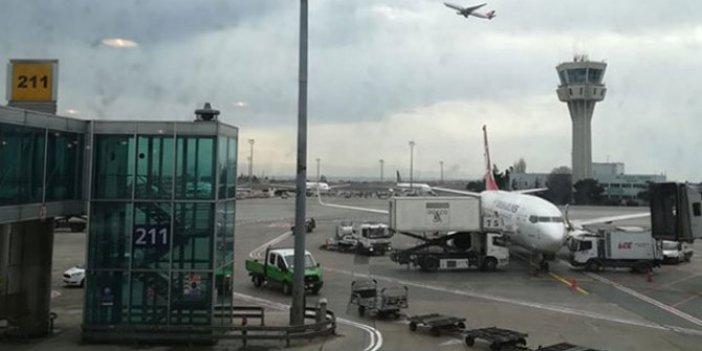 Atatürk Havalimanı'nda 3 uçak inişi pas geçti