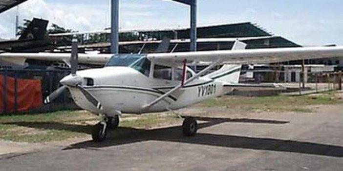 Venezuela'da uçak düştü: 5 ölü