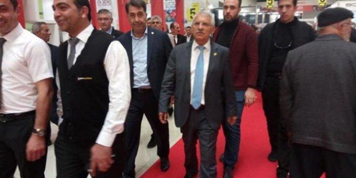 İYİ Partili Fahrettin Yokuş'tan protokol tepkisi: Fuarı terk etti