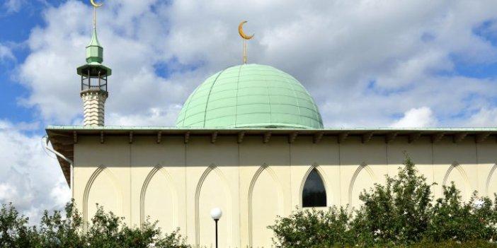 İsveç'te cami yapılmasını öneren siyasetçi istifa etti