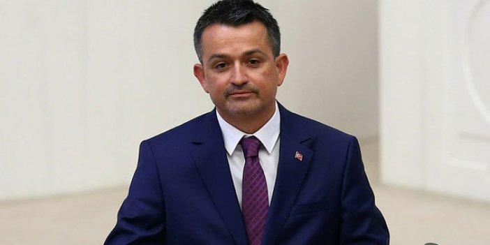 """Yavuz Ağıralioğlu: """"Sadece 23 Nisan'da bakanlık koltuğuna oturabilir"""""""