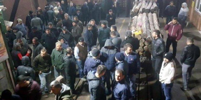 Madencilerden 2,5 saatlik ocaktan çıkmama eylemi