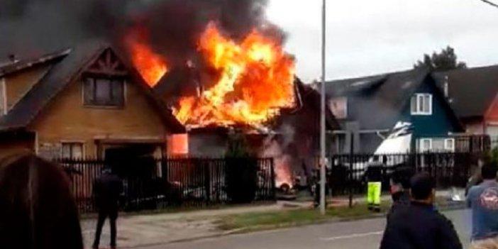 Şili'de küçük uçak evlerin üzerine düştü: 6 ölü