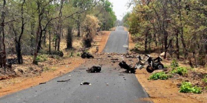 Hindistan'da polis aracına mayınlı saldırı!