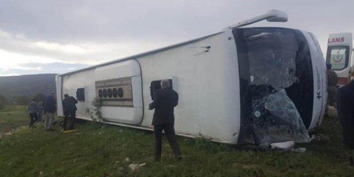 Tokat'ta yolcu otobüsü devrildi!