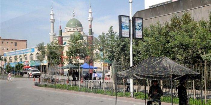Çin, Doğu Türkistan'daki camileri yıkıyor!