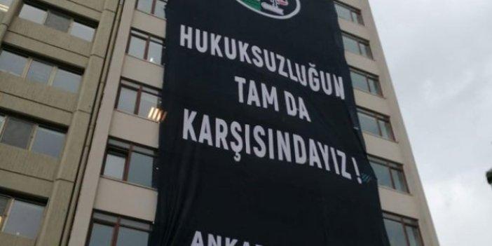 Ankara Barosun'dan YSK'ya pankartlı tepki