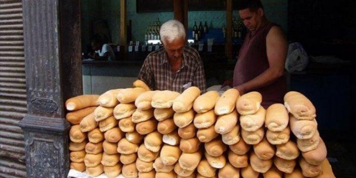 Küba'da gıda ürünleri karneyle satılacak