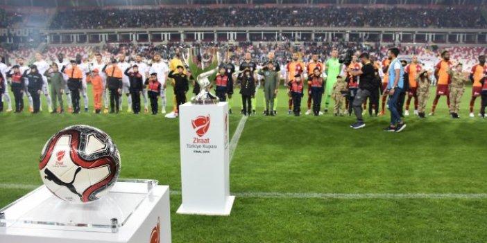 Galatasaray-Akhisarspor 3-1 (Maç Özeti)