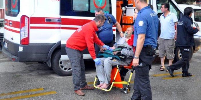 Yangında mahsur kalan yaşlı çifti itfaiye kurtardı