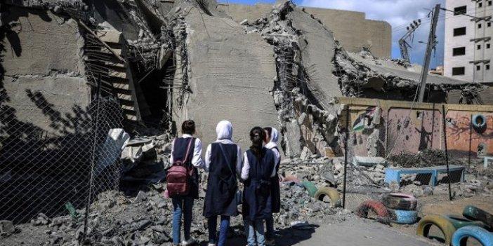 Gazze'de İsrail, okullara da saldırıyor