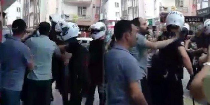 Sokakta sigara içen kadına saldırı