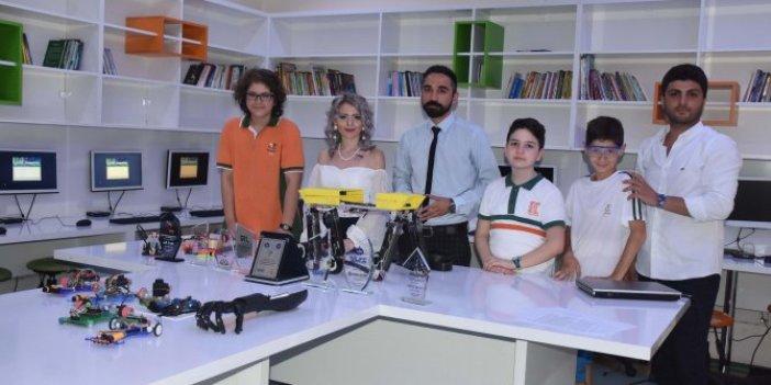 Yürüyen robot ile jüri özel ödülü aldılar