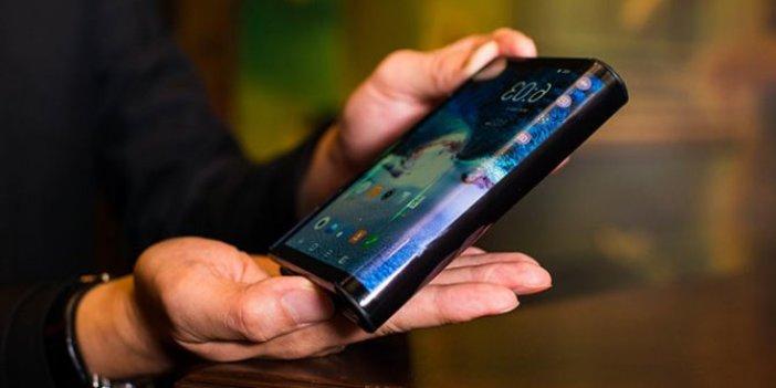 Samsung'un katlanabilir telefonla imtihanı